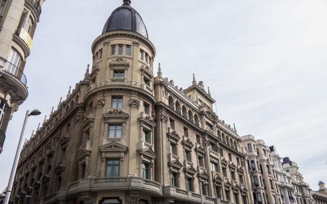 Отель Círculo Gran Vía, Autograph Collection (Adults Only) Испания, Мадрид - отзывы, цены и фото номеров - забронировать отель Círculo Gran Vía, Autograph Collection (Adults Only) онлайн вид на фасад