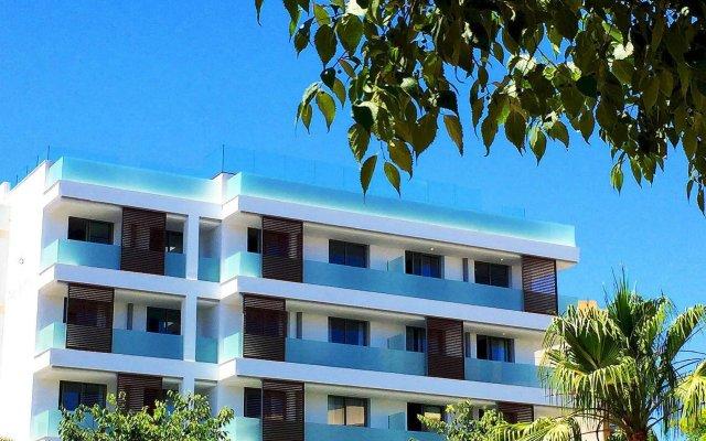 Отель B-Llobet вид на фасад