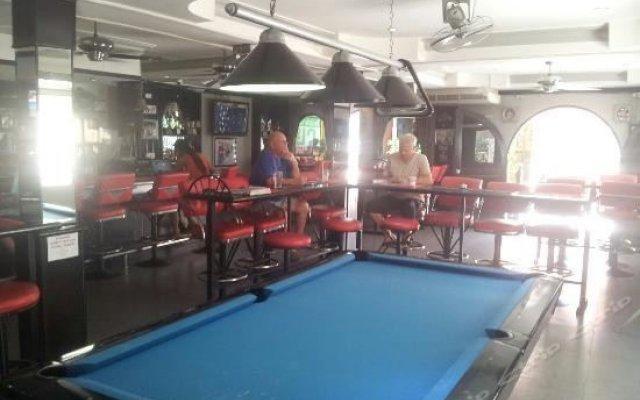 Отель Sweethearts Bar гостиничный бар
