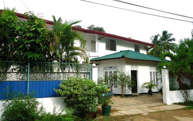 Отель Ranara Kataragama вид на фасад