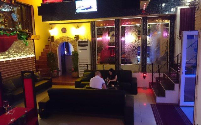 Отель Rimini Club Hotel Болгария, Шумен - отзывы, цены и фото номеров - забронировать отель Rimini Club Hotel онлайн вид на фасад
