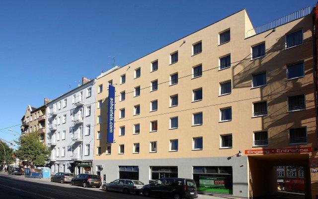 Отель A&O Berlin Friedrichshain Германия, Берлин - 3 отзыва об отеле, цены и фото номеров - забронировать отель A&O Berlin Friedrichshain онлайн вид на фасад