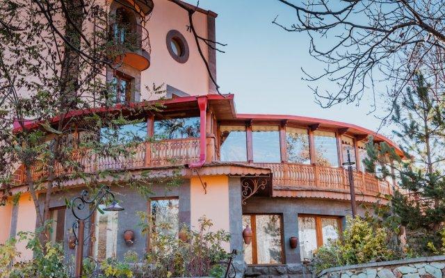 Hotel Mirhav вид на фасад
