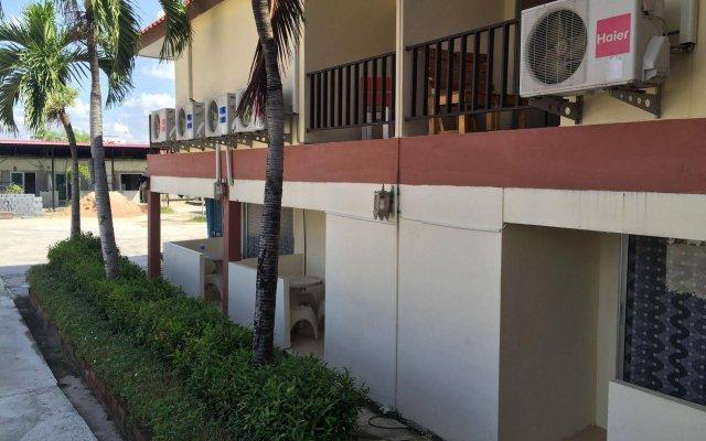 Отель Baan Kaew Ruen Kwan вид на фасад