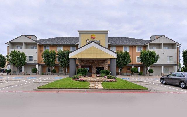 Отель Comfort Inn & Suites Frisco - Plano вид на фасад