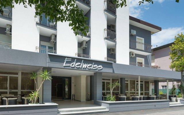 Отель Edelweiss Италия, Риччоне - отзывы, цены и фото номеров - забронировать отель Edelweiss онлайн вид на фасад