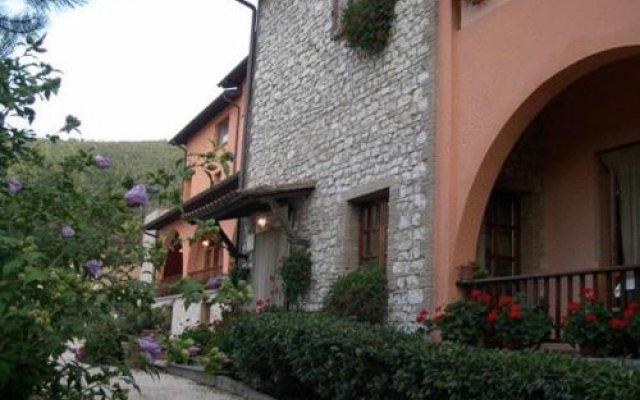 Hotel Ristorante La Fattoria Сполето вид на фасад