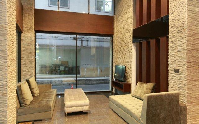Отель The Bangkok Airport Link Suite вид на фасад