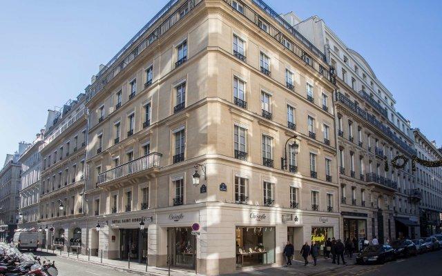 Отель Royal Saint Honore вид на фасад