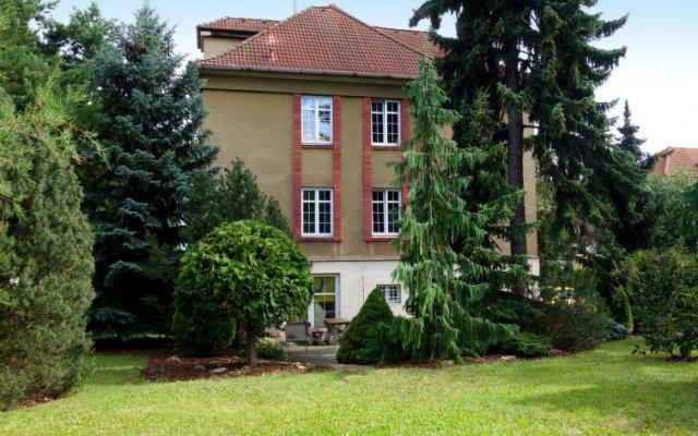 Отель V Olšinách вид на фасад