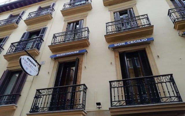 Отель Pensión Gran Bahía Bernardo Сан-Себастьян вид на фасад