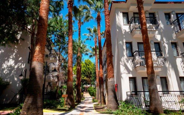 Отель Liberty Hotels Oludeniz вид на фасад