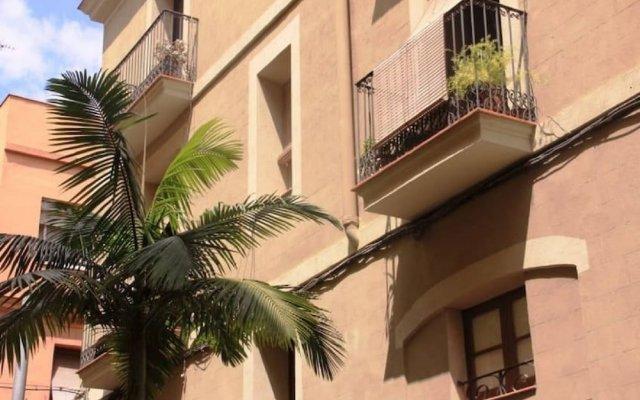 Отель HOMEnFUN Sants Train Station Испания, Барселона - отзывы, цены и фото номеров - забронировать отель HOMEnFUN Sants Train Station онлайн вид на фасад