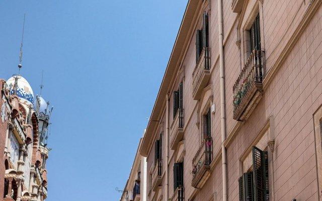 Отель Hostal Pensio 2000 вид на фасад