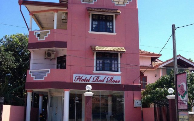 Hotel Red Rose вид на фасад