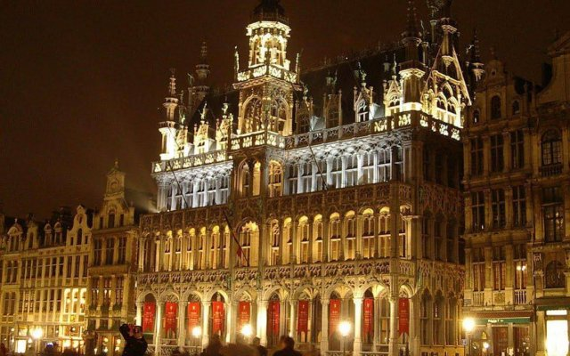 Отель B-aparthotel Grand Place Бельгия, Брюссель - 2 отзыва об отеле, цены и фото номеров - забронировать отель B-aparthotel Grand Place онлайн вид на фасад