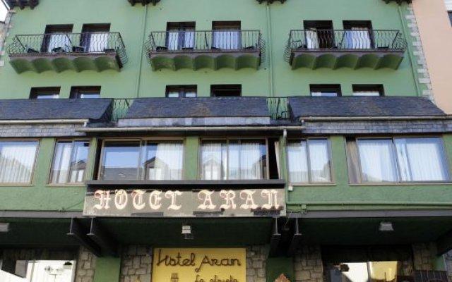 Hotel Aran La Abuela вид на фасад