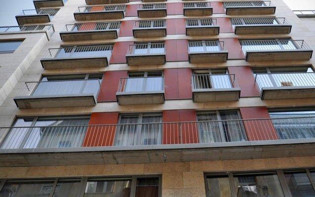 Апартаменты Ease Point Apartments вид на фасад