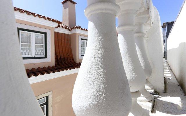 Отель Combro Suites by Homing вид на фасад