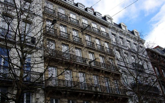 Отель Catalonia Grand Place Бельгия, Брюссель - 2 отзыва об отеле, цены и фото номеров - забронировать отель Catalonia Grand Place онлайн вид на фасад