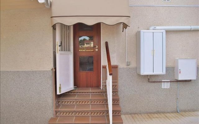 Апартаменты Apartment With one Bedroom in Calafell, With Private Pool, Enclosed Ga вид на фасад