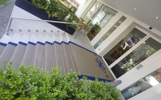Hotel Luxor вид на фасад