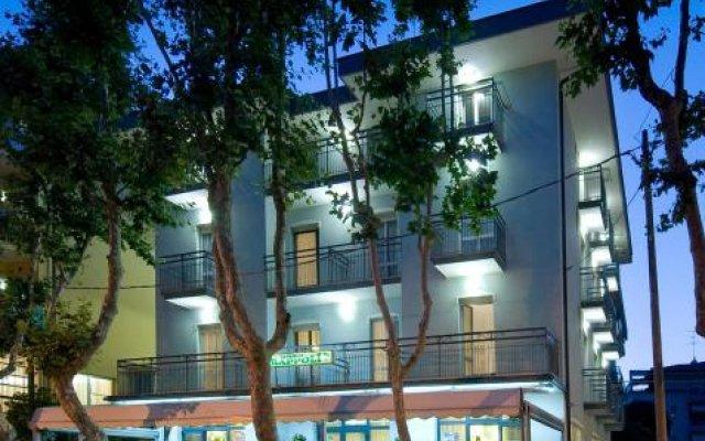 Отель Grappoli Италия, Римини - отзывы, цены и фото номеров - забронировать отель Grappoli онлайн вид на фасад