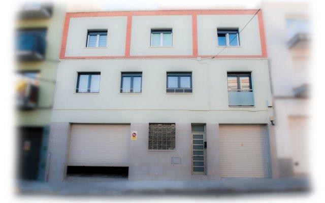 Отель Cal Negri вид на фасад