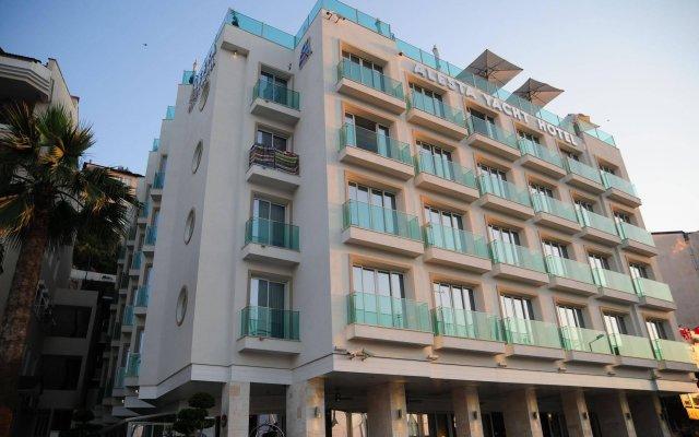 Alesta Yacht Hotel вид на фасад