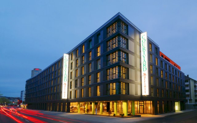 Отель Courtyard Köln Германия, Кёльн - 1 отзыв об отеле, цены и фото номеров - забронировать отель Courtyard Köln онлайн вид на фасад