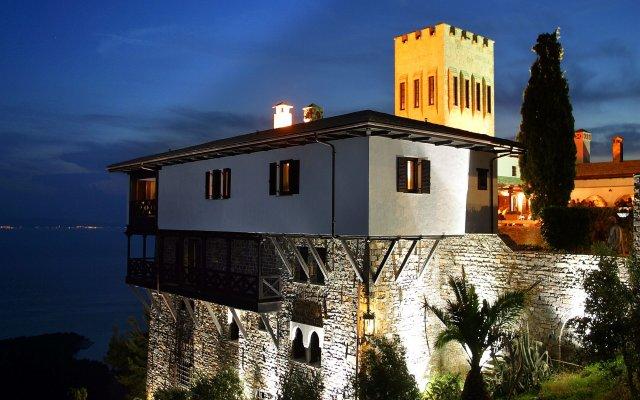 Отель Porto Carras Villa Galini вид на фасад