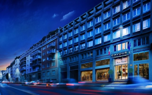 Отель Cavour Милан вид на фасад