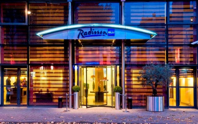 Radisson Blu Hotel, Paris Boulogne Булонь-Бийанкур вид на фасад