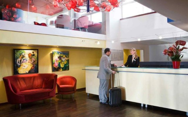 Отель Mercure Marseille Centre Prado Vélodrome интерьер отеля