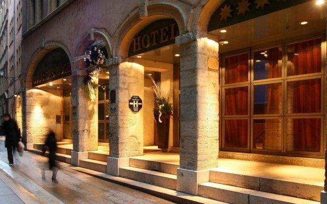 Cour Des Loges Hotel вид на фасад