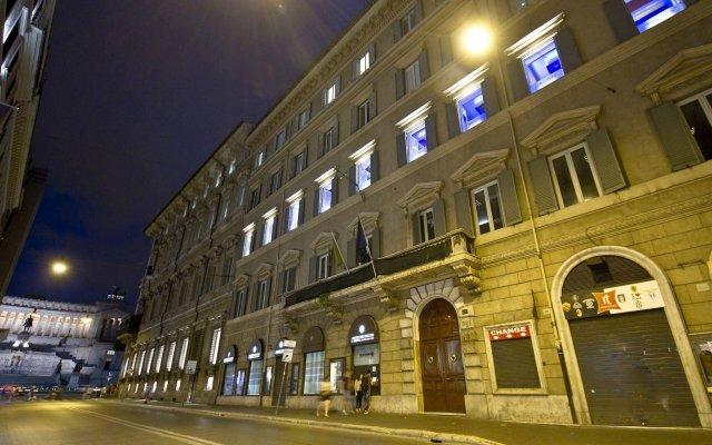 Отель TRECENTO Рим вид на фасад