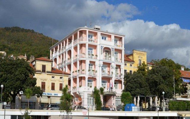 Отель Mozart Opatija