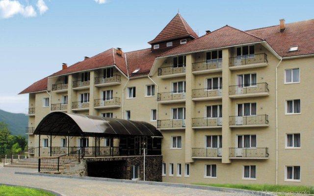 Гостиница Reikartz Polyana вид на фасад