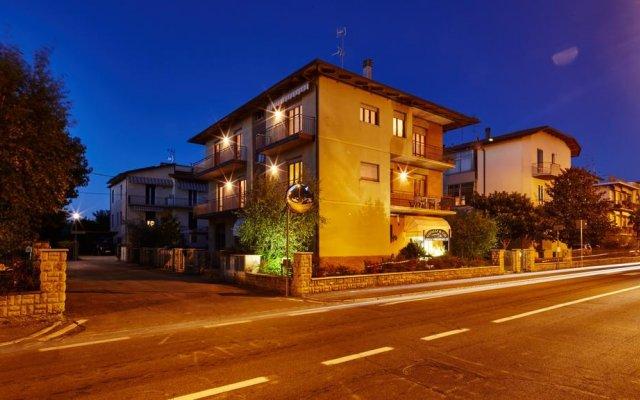 Отель B&B Cavalli & Co Ареццо вид на фасад
