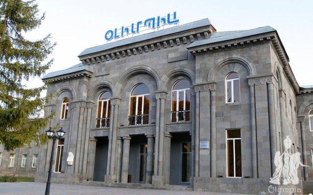Отель Олимпия(Джермук) вид на фасад