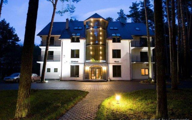 Отель Sonata Литва, Гарлиава - отзывы, цены и фото номеров - забронировать отель Sonata онлайн вид на фасад