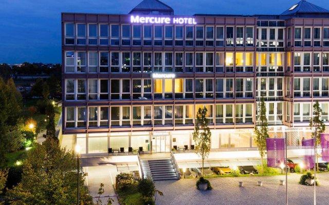 Отель Mercure Ost Messe Мюнхен вид на фасад