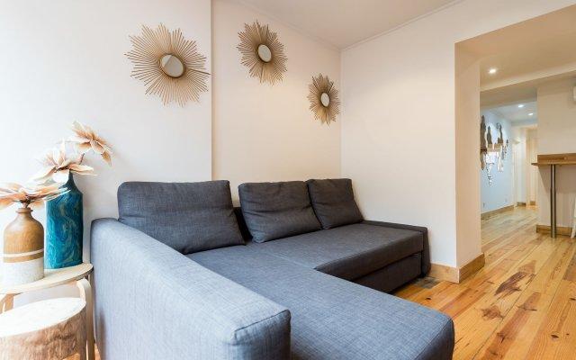 Апартаменты Liberty Patio Two-Bedroom Apartment w/ Patio - by LU Holidays комната для гостей