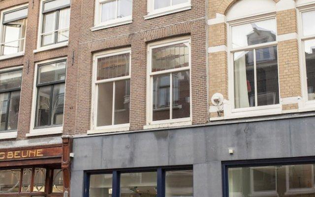 Отель Kuwadro B&B Amsterdam Jordaan вид на фасад