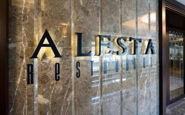 Отель Titanic Business Golden Horn вид на фасад
