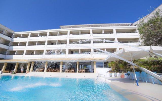 Elea Beach Hotel бассейн