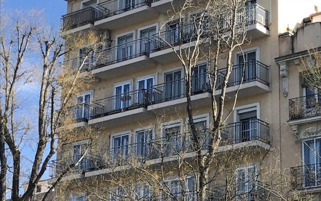 Апартаменты Stay at Home Madrid Apartments VII вид на фасад