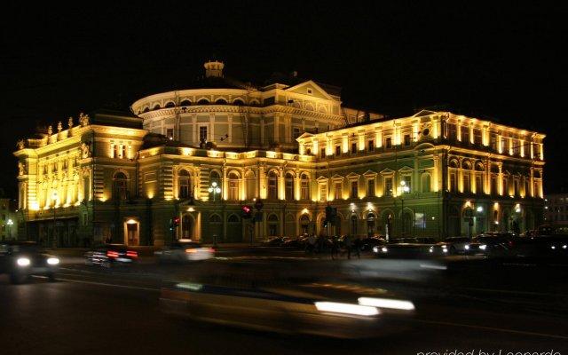 Гостиница Crowne Plaza St.Petersburg-Ligovsky (Краун Плаза Санкт-Петербург Лиговский) вид на фасад
