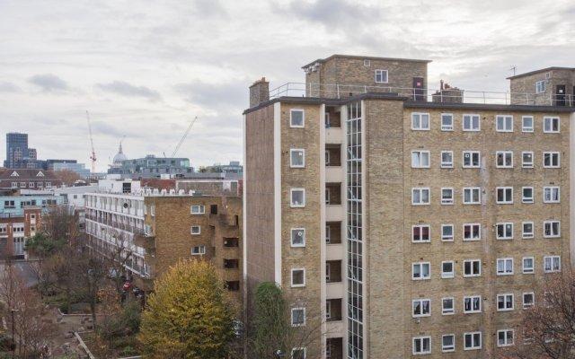 Апартаменты 1 Bedroom Apartment With Balcony in Angel Лондон вид на фасад