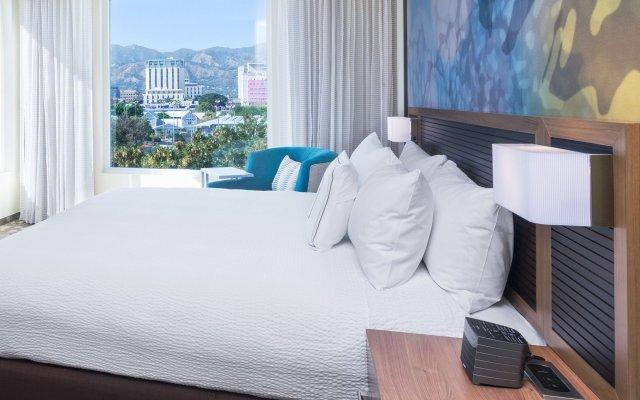 Отель Courtyard by Marriott Kingston, Jamaica Ямайка, Кингстон - отзывы, цены и фото номеров - забронировать отель Courtyard by Marriott Kingston, Jamaica онлайн комната для гостей